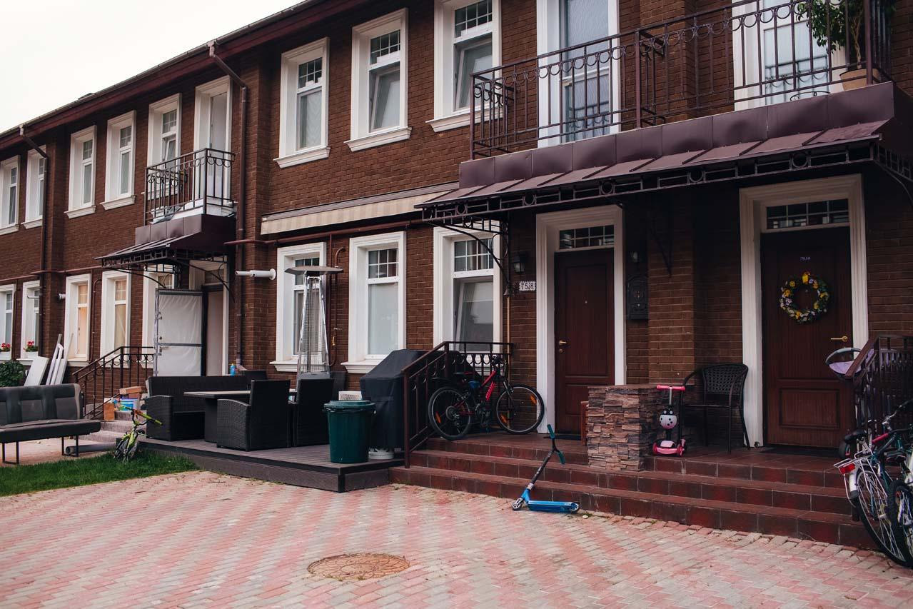 Частная терраса с маркизой в КП Бристоль